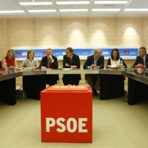 """Zapatero dice que el PSOE """"ha demostrado ser el partido que extiende la democracia"""" en España"""