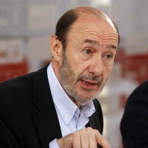 """Rubalcaba trabaja en """"un programa electoral creíble y ejecutable"""" con medidas """"centradas en resolver el gran problema de los españoles, que es el empleo"""""""