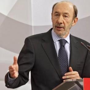 """Rubalcaba pide a Rajoy que """"retire la Ley del aborto, la meta en un cajón y la guarde bajo siete llaves, porque es innecesaria y solo satisface a la extrema derecha"""""""